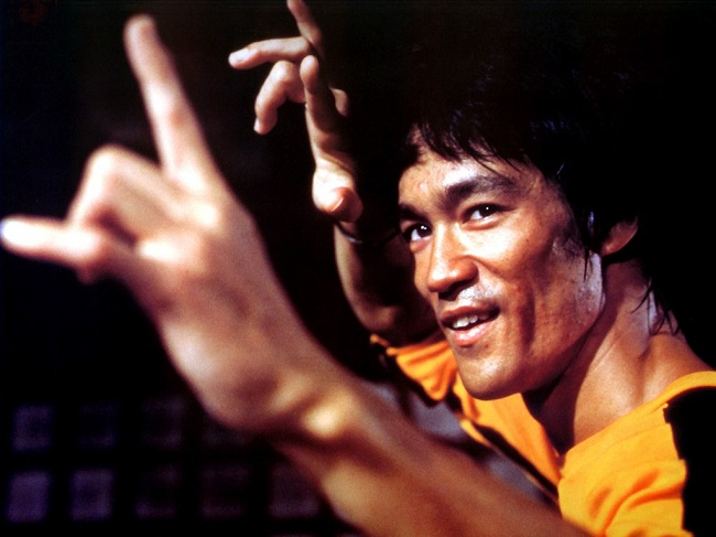 Bruce_Lee_Death_Stance_Wallpaper_JxHy.jpg