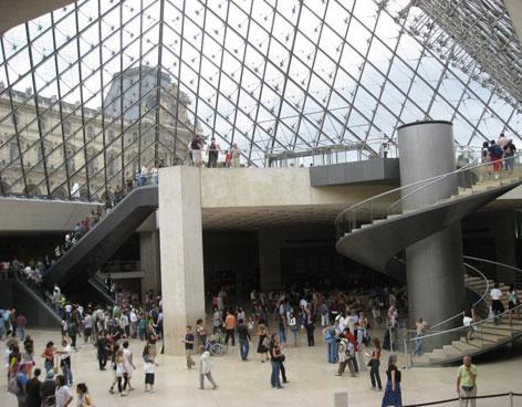 museo-de-louvre-paris-s.jpg
