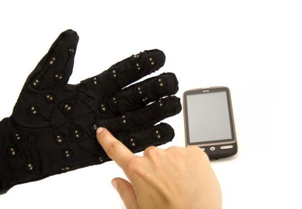 mobile-lorm-glove-03.jpg