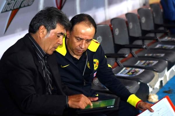 El-Maestro-trabajando-con-su-iPad.jpeg