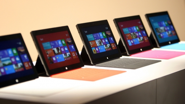 img_606X341_microsoft-surface-tablet-windows8-1906.jpg