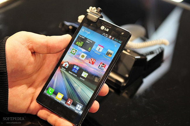 LG-D1L-to-Land-with-ICS-4-7-quot-HD-Screen-2.jpg